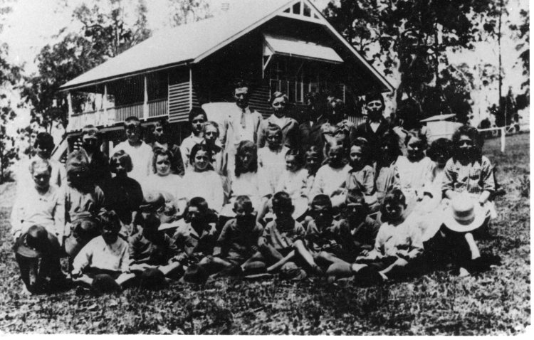 Brooloo School, c1920 - Gympie Regional Libraries collection