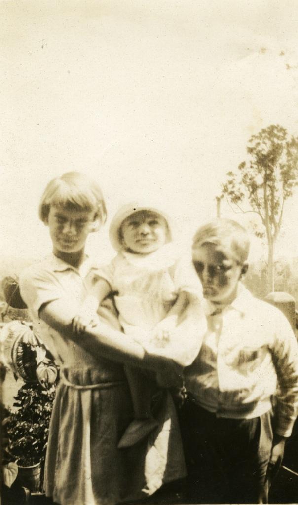 Evelyn Organ, Earl Organ, baby Alan Mobbs - donated by Rose Organ