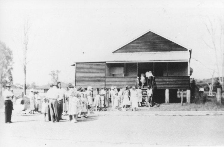 Victory Walk to Amamoor Hall, 1945