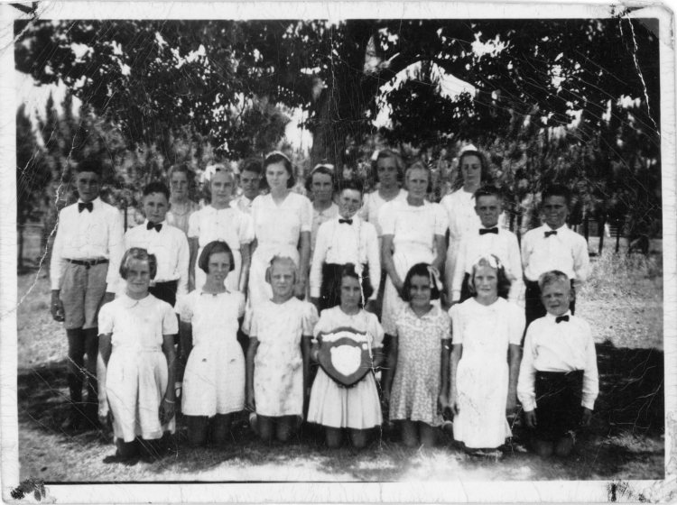 Kandanga School choir 1945 - Gympie Regional Libraries