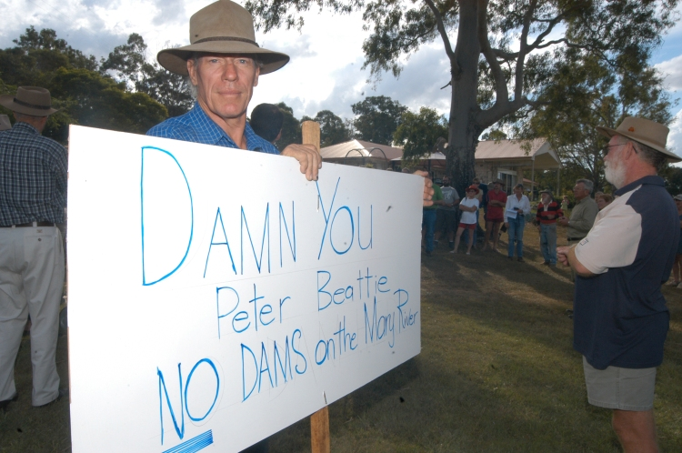 Traveston Dam protest - April 2006 - Gympie Times collection