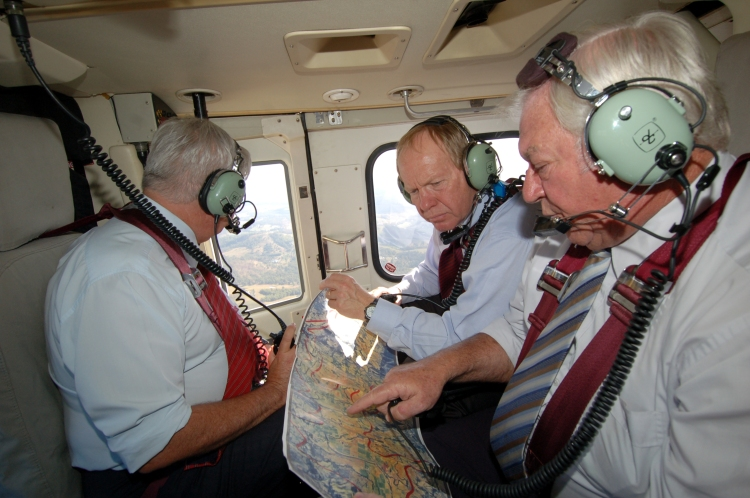 Former Premier Peter Beattie (State MP 1998-2007), Mr Mick Venardos (Mayor of Cooloola/Gympie 1997-2008), Mr Henry Palaszczuk (Minister for Natural Resources, Mines and Water - Feb 2006-Sept 2006) looking over the dam site - Traveston Dam protest - April 2006 - Gympie Times collection