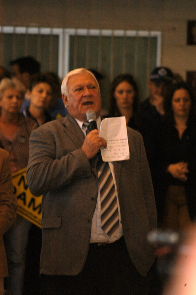 Mr Mick Venardos (Mayor of Cooloola/Gympie 1997-2008) at the Traveston Dam protest - July 2006 - Gympie Times collection