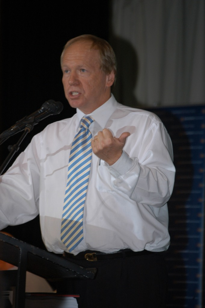 Former Premier, Peter Beattie speaking at the Traveston Dam protest - July 2006 - Gympie Times collection