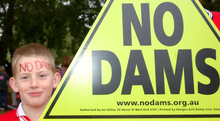 Dean Heise from Rathdowney gets his message across - Traveston Dam protest - June 2006 - Gympie Times collection