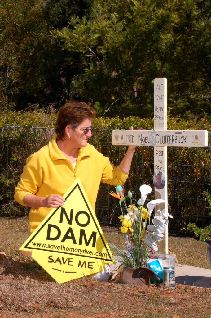 Traveston Dam protest - June 2006 - Gympie Times collection