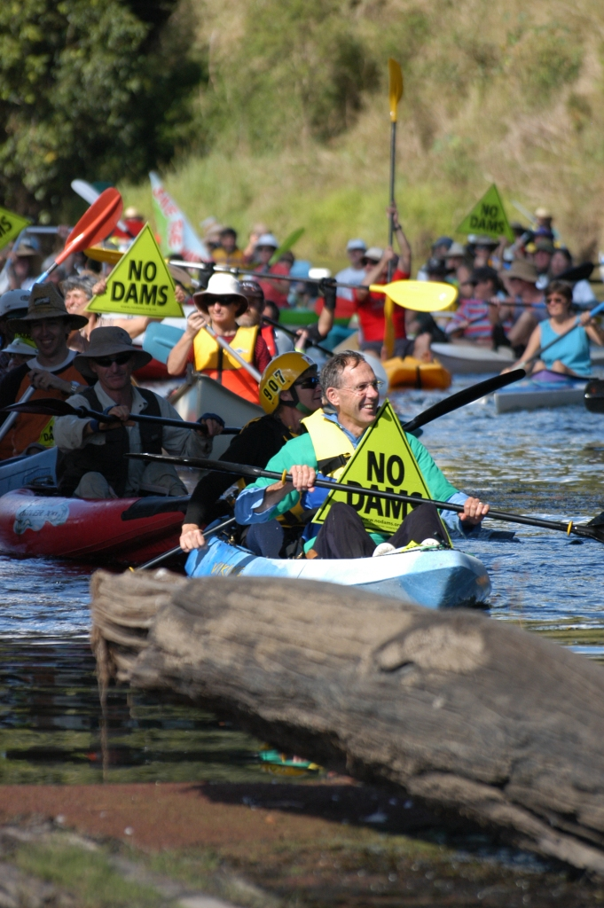 Greens Senator, Bob Brown (Greens Senator 1996-2012) & Glenda Pickersgill - Traveston Dam protest - October 2006 - Gympie Times collection