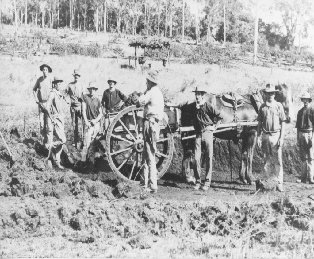 Workers on Mary Valley Railway line, Hutchins Road, Amamoor-Dagun circa 1913 - Gympie Regional Libraries