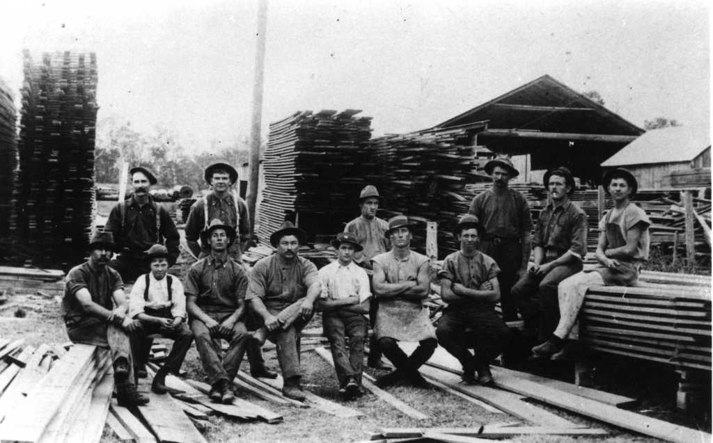 Workmen at Kandanga Sawmill c1920 - Gympie Regional Libraries