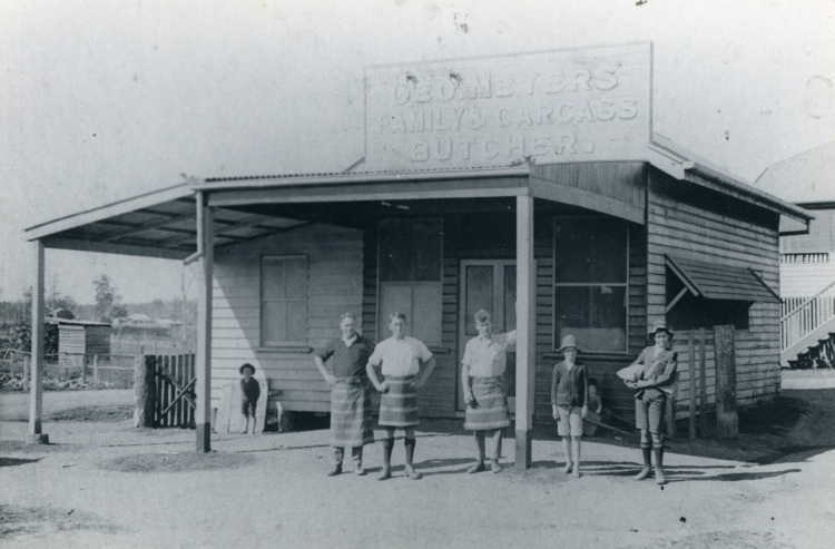George Meyers Family and Carcass Butcher. Gomersell men. Mudford, father, Allan and Edgar (sons). Source. C. Zillman
