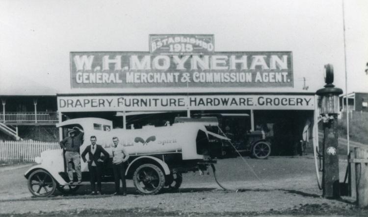 Moynehan's, Imbil. Bill Moynehan on far right. Royal Bank on left.